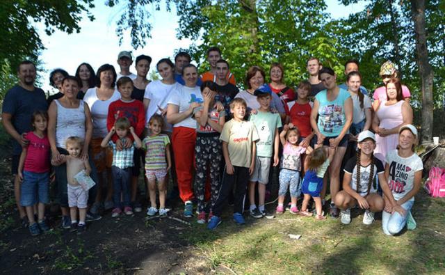 """Активисты, волонтеры и участники клуба приемных семей Благотворительного фонда """"Эра добра"""" устроили пик-ник на природе"""